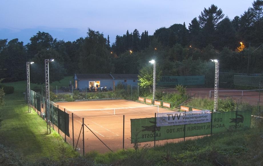 Tennisverein Aachen-Vaalserquartier mit Flutlichtanlage